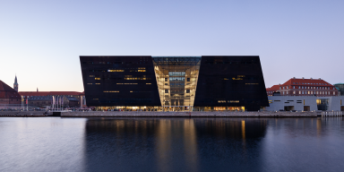 The Black Diamond, Copenhagen. Evening picture over the canal